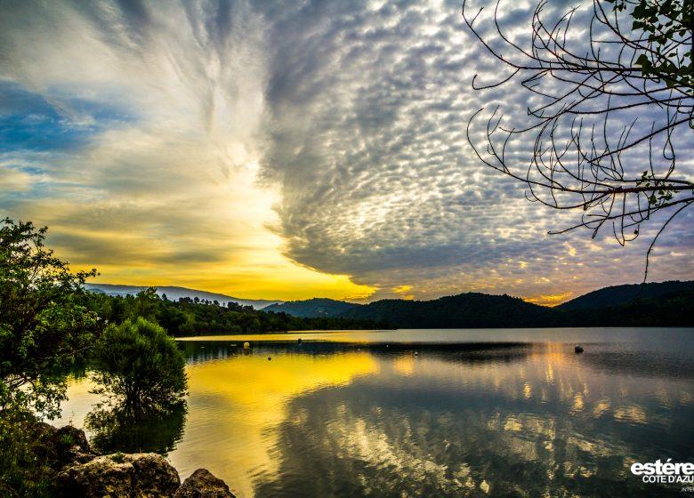 Randonnée : Le lac de Saint-Cassien